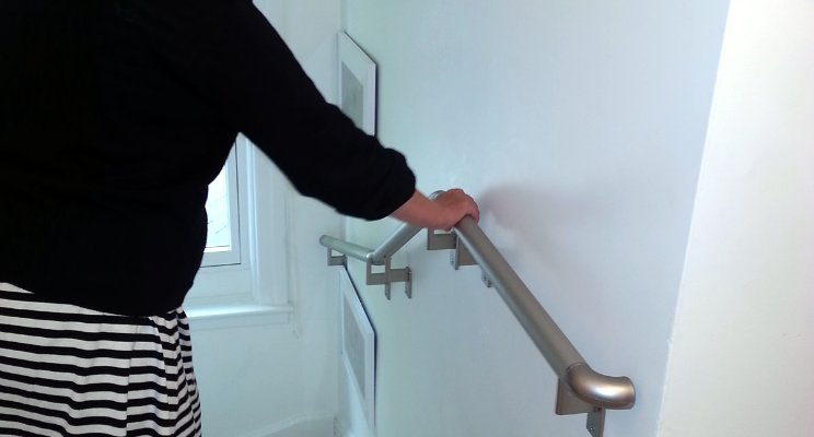 Handrails Vs. Stair Railings? – Get A Grip On The Difference
